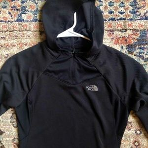 Women's north face pullover small